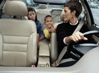 mom-driving-kids-to-school
